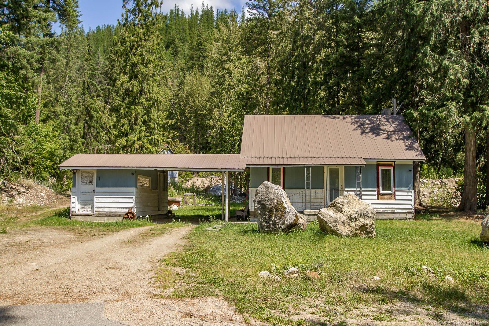 900 Two Mile Road, Sicamous, British Columbia, V0E2V1 (20119793)