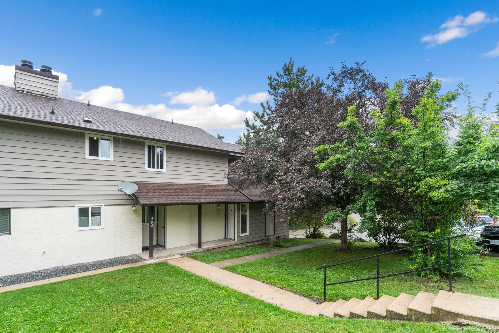 #406 1451 1 Avenue, NE, Salmon Arm, British Columbia, V1E1N8 (21245013)